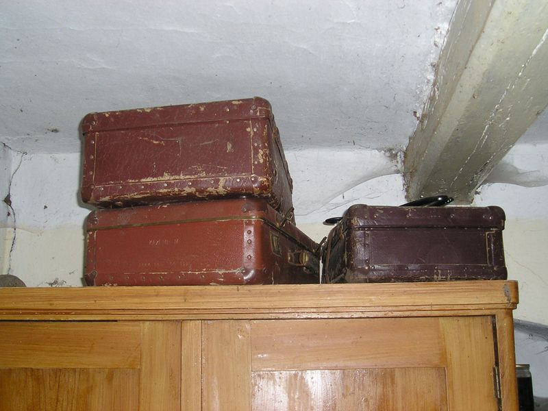 Suitcasesprompt5
