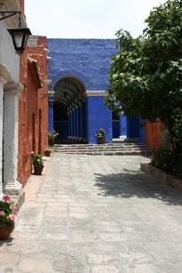 Blue courtyard40%